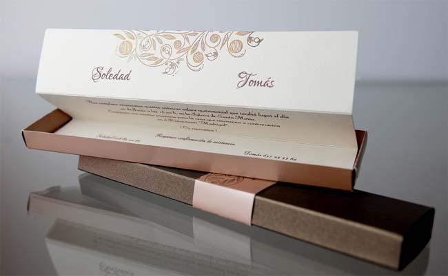 invitatii nunta cutiuta aurie aramie eleganta 34939