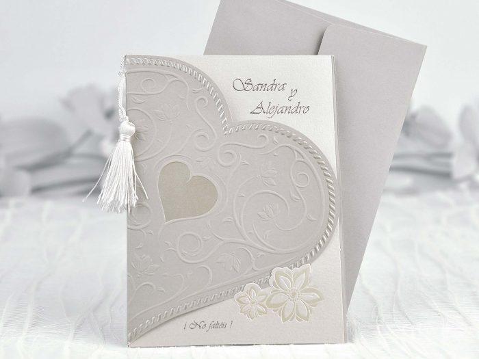 invitatii nunta decupate inimioare argintii 35103