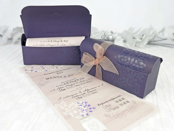 invitatii nunta cutiuta mov