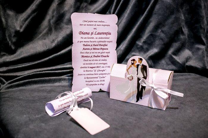 invitatii nunta cutiuta mov mire si mireasa 5018